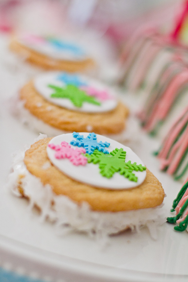 christmas whoopie pies with fondant