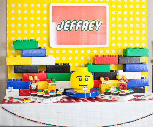 Jeffrey 39 s modern lego party full detail feature anders for Decoration lego