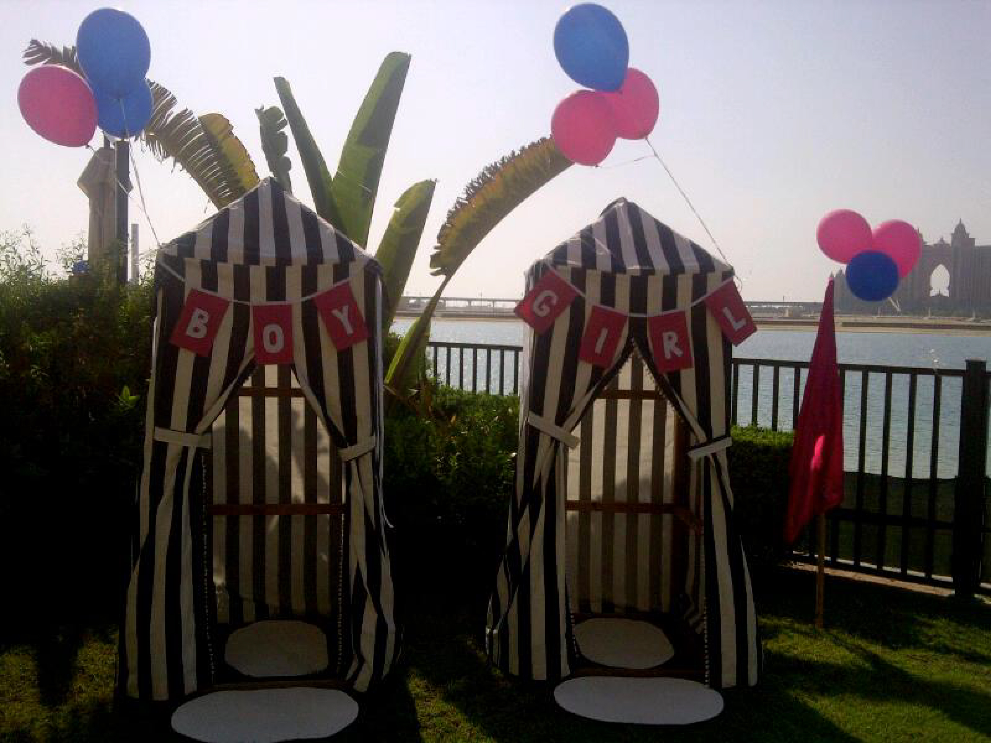 A preppy nautical party in dubai by me riley anders for Anchor decoration party