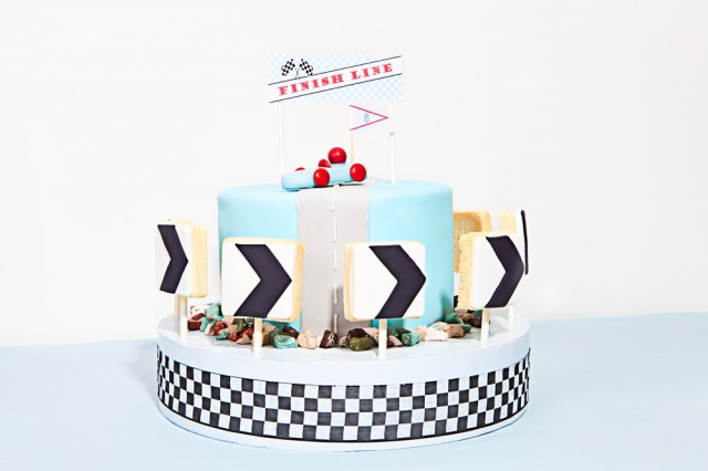 vintage race car cake by kiss me kate