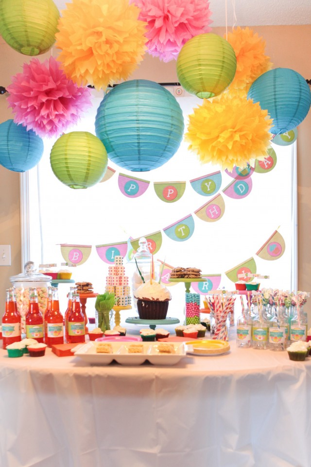 Cupcake Decorating Ideas Birthday : A Sweet Cupcake Birthday Party - Anders Ruff Custom ...