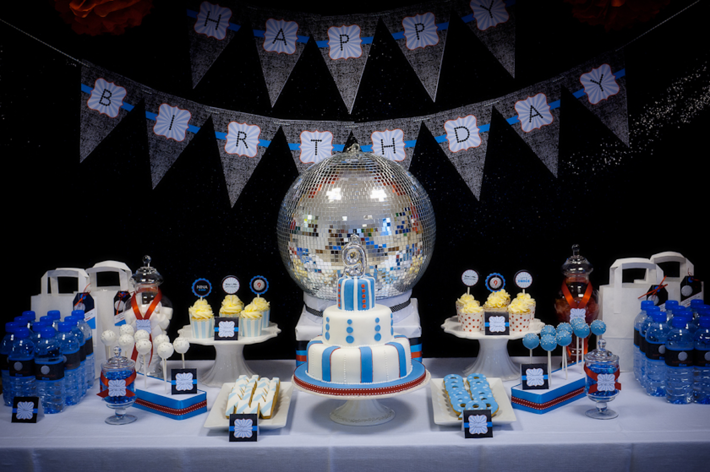 a glam disco party - Disco Party Decorations