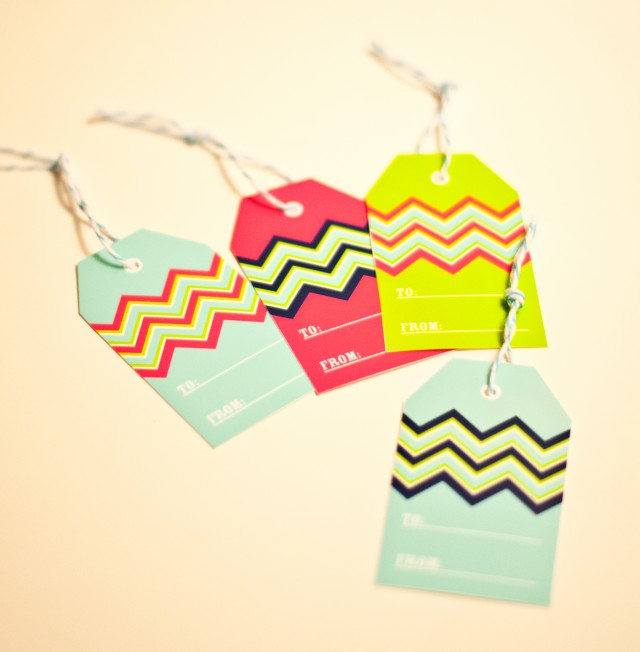Magic image with customizable gift tags printable