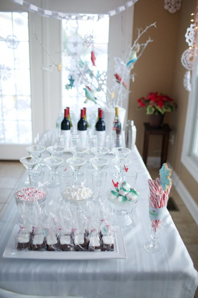 winter-wonderland-bar-snowflakes-windows-martini-glasses-chocolate-water-bottles-branches-birds