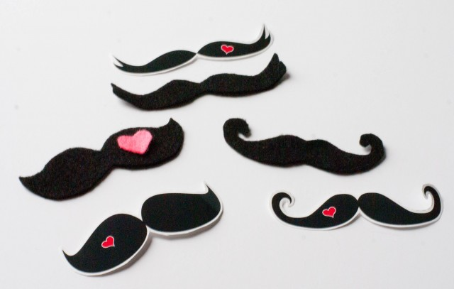 mr-mrs-valentine-printable-mustache-felt