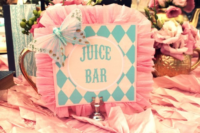 Alice in wonderland party juice bar sign