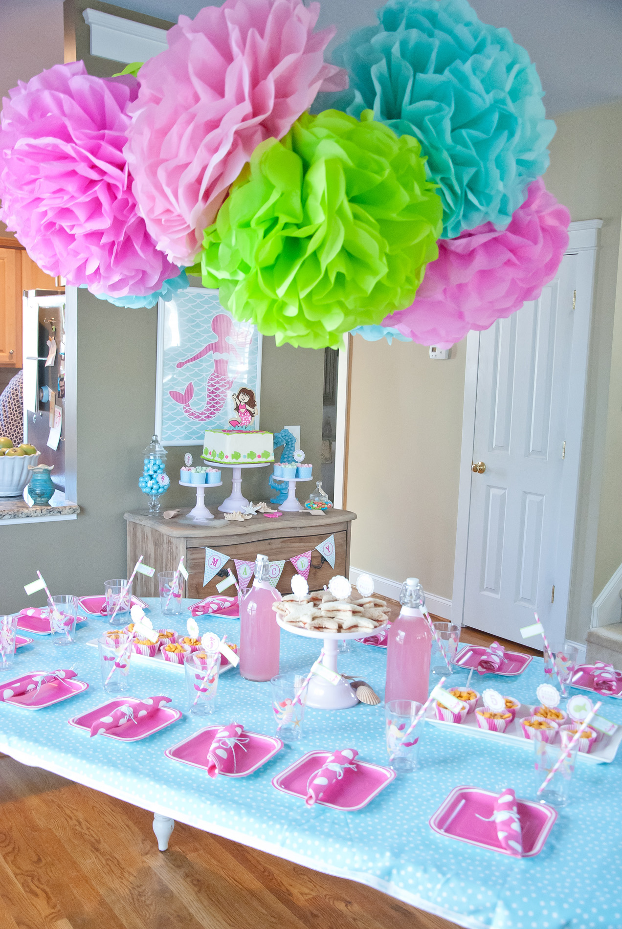 A dreamy mermaid birthday party anders ruff custom for Idee deco table