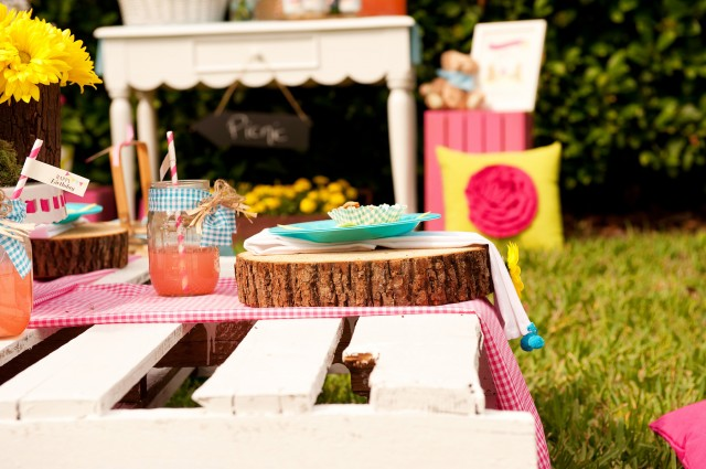 teddy bear picnic table setup