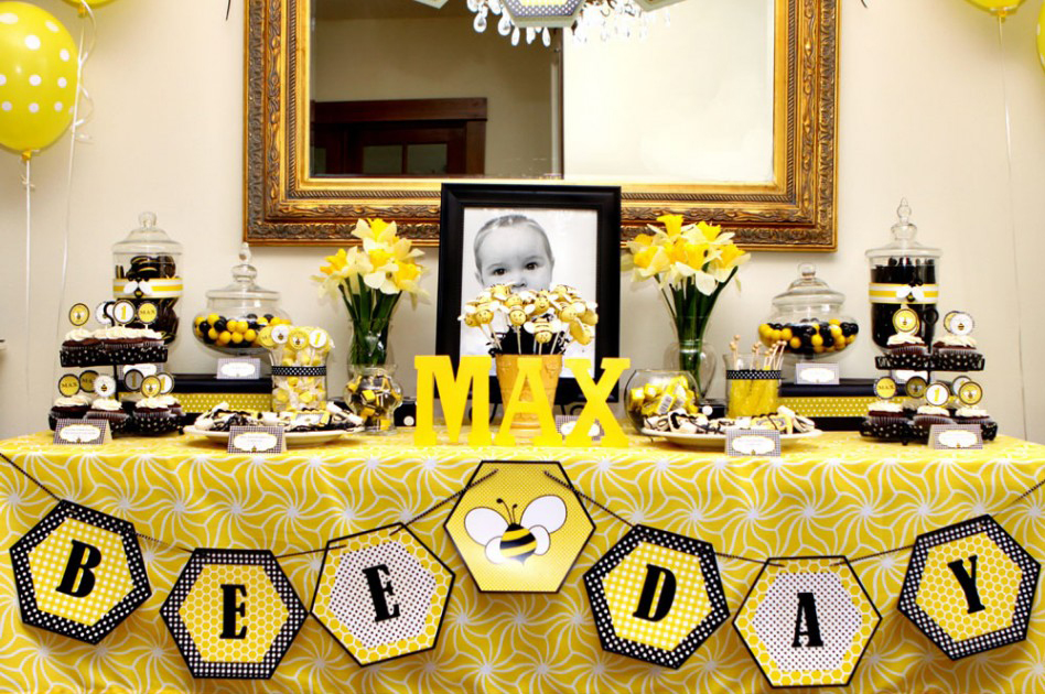 Bee Day Party Maureen First Designed This Theme For Piersons 1st Jen Carver Of Banner Events Also Used Our New Printables Her Sons