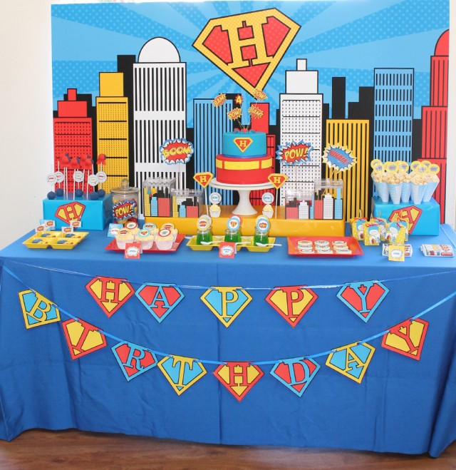 superman-party-dessert-table