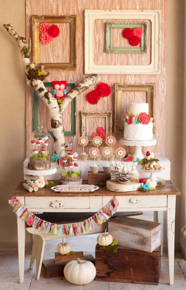 owl birthday dessert table
