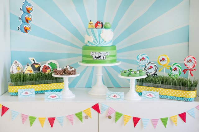 angry birds birthday dessert table