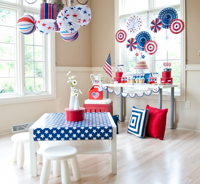 fourth of july party room