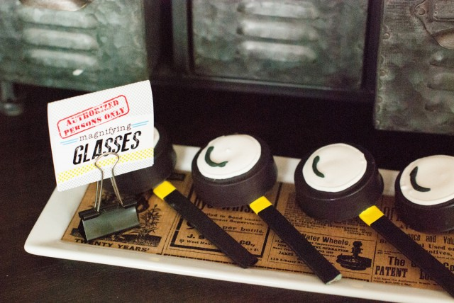 chocolate magnifying glass cookies