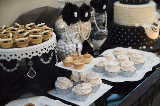 Celebrating 40 with a Black and White Party -Anders Ruff