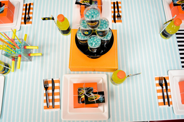 nerf party place setting